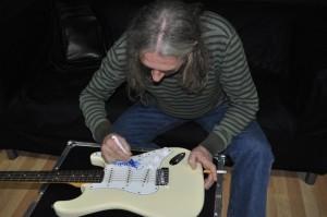 Guitarra firmada per Rosendo